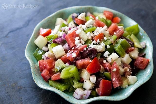 dads-greek-salad-horiz-640